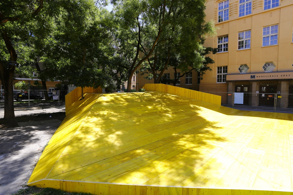 Stadtmöbel am Ortweinplatz